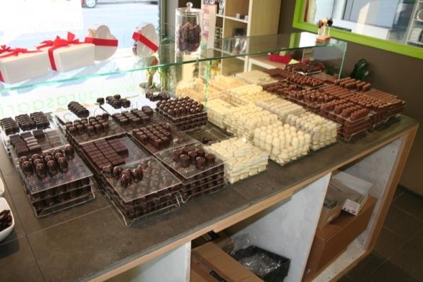 chocolaterie laura sgarito pralines artisanales chocolats trooz chaudfontaine beaufays. Black Bedroom Furniture Sets. Home Design Ideas